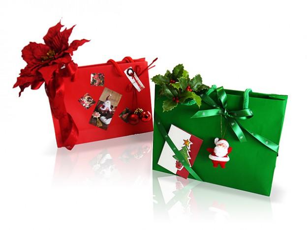手提げ袋を使ったクリスマスラッピング