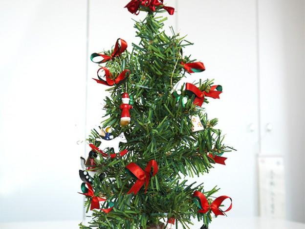 クリスマスリボンツリー